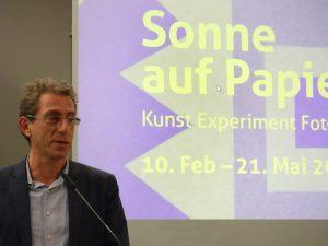 Der Leiter der TSD Roland Schwarz spricht zur Eröffnung